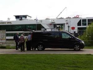 Flughafen Taxi Basel: Gästetransport zum Kreuzfahrtschiff Scenic Opal in Mannheim.